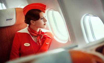 约会《天上的恋人》俄空姐2012极美日历