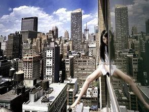 韩国女摄影师高楼边缘玩命自拍走红