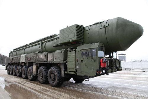 资料图:俄罗斯白杨-m洲际弹道导弹发射车