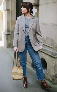 棕色裤子搭配的方法