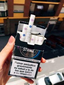 LUCKY STRIKE好彩蓝莓双爆珠自动弹盒包装,帅的一笔