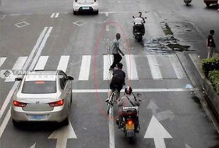 少年骑单车撞人致死逃逸两天后投案自首