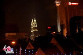 吉隆坡双子塔和电视塔夜景