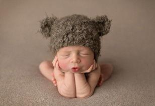 超萌 英摄影师用催眠术为新生儿拍熟睡照