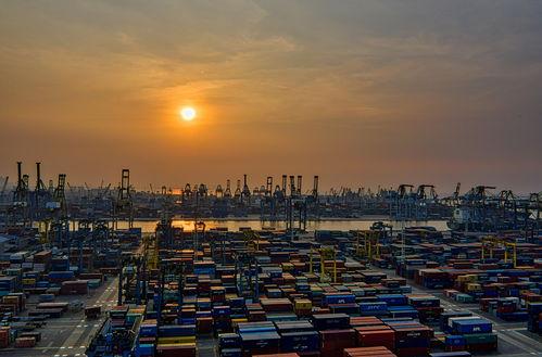 中国成印度最大贸易伙伴比特币又雪崩焦炭首轮提降落地