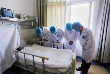 组图8岁女孩捐献器官让4人获重生