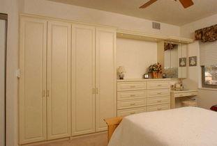 小房间衣柜设计