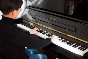 钢琴用英文怎么写