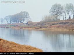 乡村风景 平静的小河图片