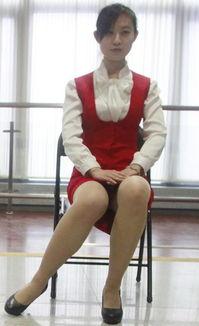 春运美女志愿者 露美腿 丝袜美腿诱惑
