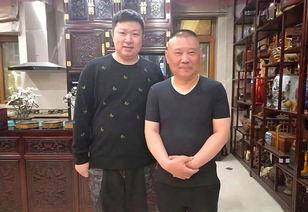 前不久,佛系单口相声演员周培岩宣布自己通过了郭德纲半年的考验,正式拜师郭德纲,成为郭德纲的徒弟.