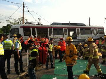 香港轻铁出轨致多人受伤