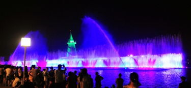 郑州绿博园开启 绿博之夜 市民消暑好去处