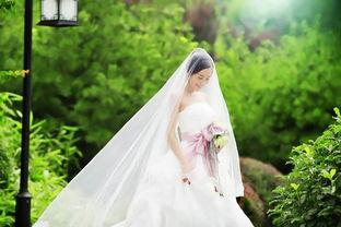 关于拍婚纱找的诗句