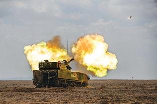 国产轮式122自行榴弹炮实弹射击瞬间
