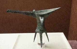 古时饮酒器的总称,相当于现在的酒杯,是中国古代最早出现的青铜利器之一。