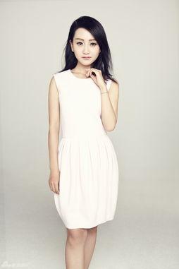 组图 杨蓉白裙写真温暖笑容清新来袭