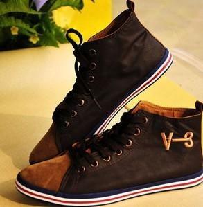 黑色的休闲鞋怎么搭配衣服