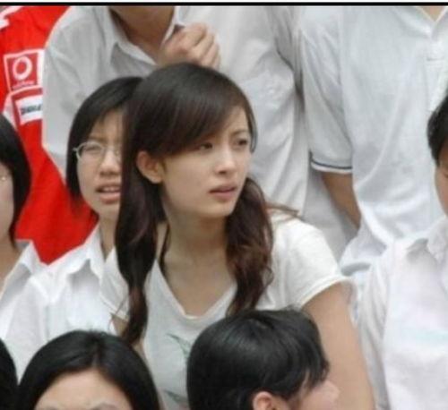 杨幂学生时代没谈过恋爱看到她大学旧照,网友这谁敢追
