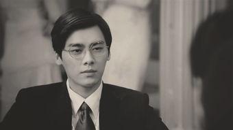 《隐秘而伟大》由李易峰、金