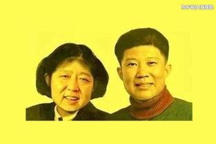 再来看岳云鹏和孙越,两个人的第一张合影是正常的照片,只不过岳云鹏依偎在孙越身上,看上去十分小鸟依人.