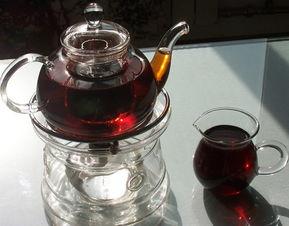 描写普洱茶汤色的美句