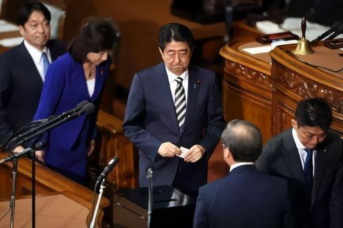 日本国会众参两院1日举行首相指名选举,自民党总裁安倍晋三当选日本第98任首相.