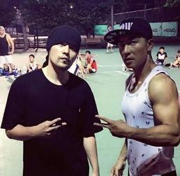 虽然如此,刘畊宏已把周杰伦当自己的兄弟看待,无论打球、健身或者是出去玩都会预周杰伦一份.
