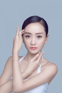 杨蓉为新书拍写真 尽现 少女 自然美肌