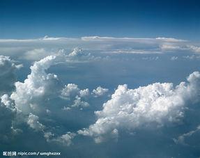 如何利用手机更换图片背景天空