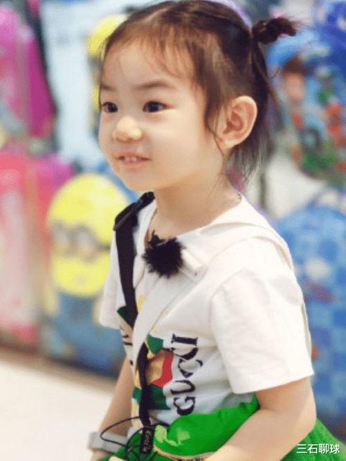 大家都知道戚薇和李承铉的女儿参加了一个综艺节目《想想办法吧爸爸》。