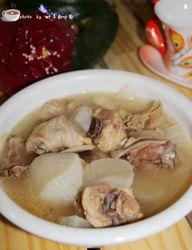 鸭肉炖白萝卜的做法(鸭肉炖白萝卜做法)
