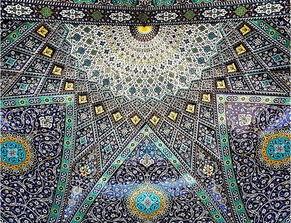 伊朗清真寺充满浓郁迷幻色彩