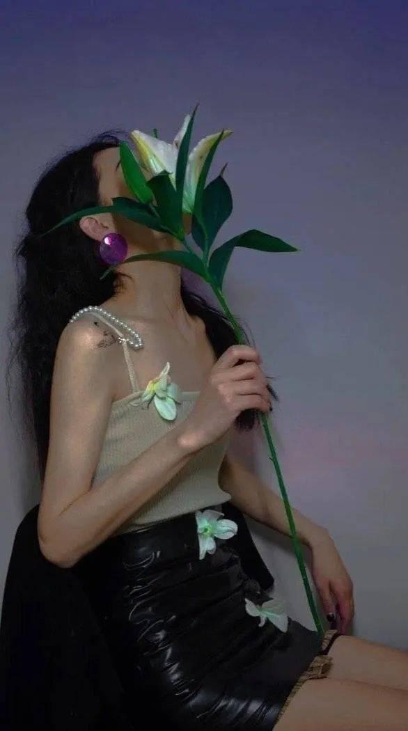 后来才明白过度的热情就像开水养花