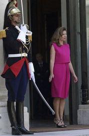 法国第一夫人造型师揭秘 出访中国衣着讲究多