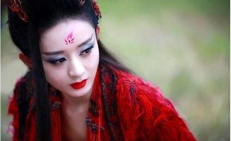 那一袭红衣,赵丽颖惊艳 杨幂侧颜杀,竟都不如她最美