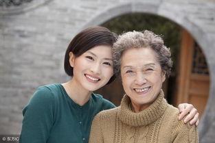 85岁老人感慨儿媳妇不如女儿好,但最后照顾你的人却是儿媳妇