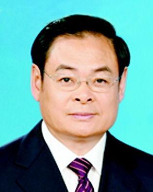 王儒林6月29日、30日两天,官方发布消息,江西、青海、山西、江苏四省省委书记调整,继今年3月份河南、陕西省委书记调整后,省级大员又迎来一个调整高峰.