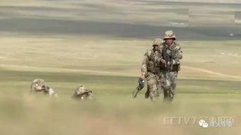 图为步兵班组展开攻击队形近日,网络曝光我青藏高原某机场已部署大
