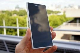 索尼发布防水智能机Xperia Z1 2070万像素1 2.3英寸感光元件