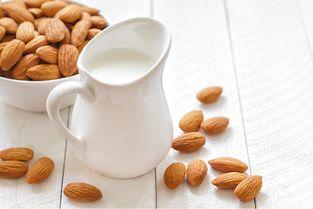 秋季喝羊奶竟然有这么多好处,滋阴润肺护肠胃