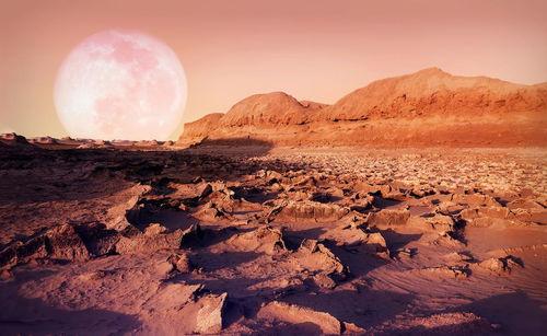 2021年2月预计到达火星公共信息显示,2020年7月至8月15日是火星探测活动的窗口期,除了天问一号外,多国火星探测器如美国的毅力号和阿联酋的希望号也将同台竞技奔向火星.