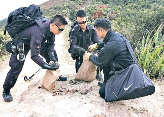 香港惊现战时日军榴弹炮警方拆弹专家现场引爆