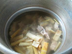 羊尾笋龙骨汤的做法,羊尾笋龙骨汤怎么做好吃,羊尾笋龙骨汤的家常做法 花鱼儿