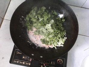 鸡肉鸡蛋炒香菜