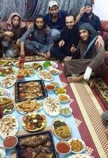 IS成员最后一次餐前自拍 餐后集体死亡