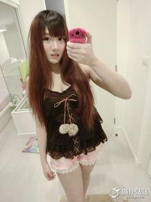 泰国电竞美女棒糖妹有晒新照 又发育了