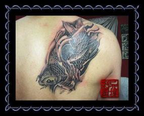 纹身 满背观音戏锦鲤图案谁有