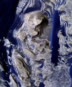 火星发现液态水痕迹