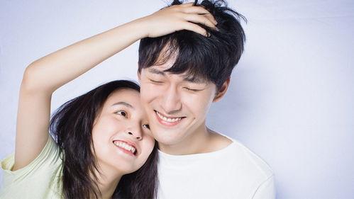 《我只喜欢你》改编自乔一随笔集《我不喜欢这世界,我只喜欢你》,由吴倩和张雨剑担纲主演.